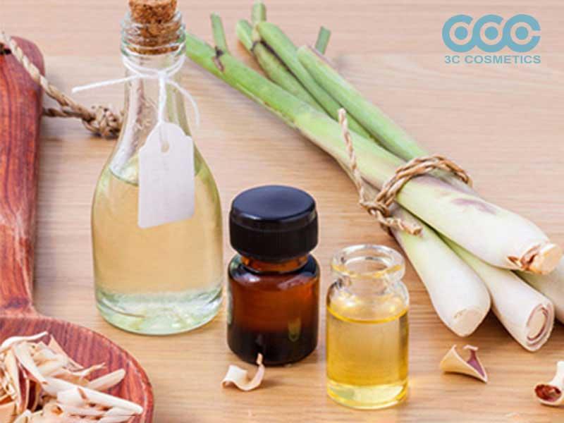 Massage tinh dầu sả toàn cơ thể