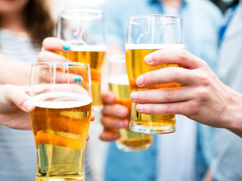 Uống rượu bia dẫn đến sưng phù